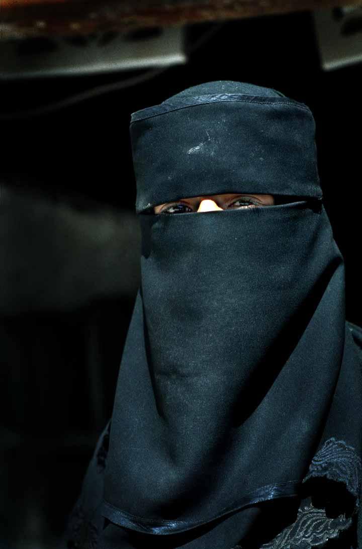 Muslim woman in Yemen. Steve Evans/Wikimedia Commons