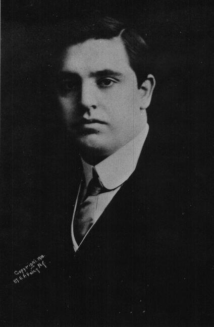 Publicity photograph of John McCormack, New York, 1910. McCormack Society/Wikimedia Commons