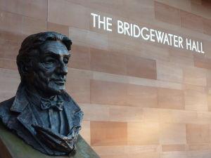 Statue of Sir John Barbirolli outside Bridgewater Hall, Manchester. Jake/Wikimedia Commons