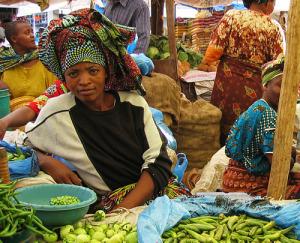 Arusha market, Tanzania. Neiljs/Wikimedia Commons