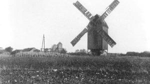 Windmill at Rosenower. Deutsche Fotothek/Wikimedia Commons