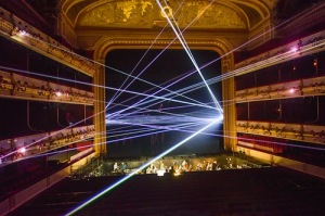 Laser beam display in <i>Woolf Works</i> © Tristram Kenton/Royal Opera House