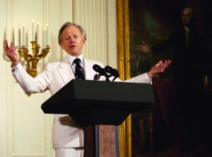 Tom Wolfe at the White House Salute to American Authors hosted by Laura Bush in March 2004. whitehouse.gov/Wikimedia Commons